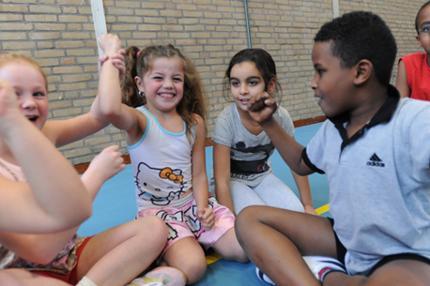 Vanaf 14 september zijn we elke week bij jou om de hoek of zelfs op school te vinden met nieuwe, leuke en verschillende sport- en beweeglessen.
